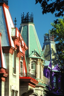 Montreal architecture (St-Jacques, Pierre © Canadian Tourism Commission; St-Jacques, P. Tourisme Montréal. All Rights Reserved.)