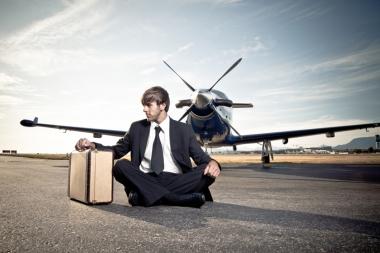 Attraper un vol (Catching a plane) (Silva, Nuno © Silva, Nuno; VisaPro.ca. Tous droits réservés.)