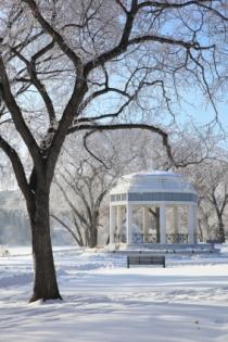 Kiosque à musique de Saskatoon en hiver (Dougall Photography © Dougall Photography; VisaPro.ca. Tous droits réservés.)