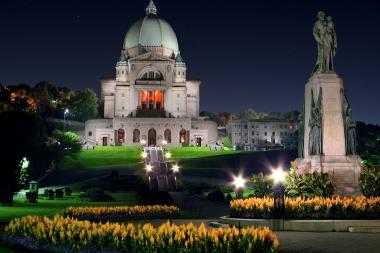 Oratoriul Saint Joseph de pe Mount Royal (Caty, Michel © Caty, Michel. Partener: Tourisme Montréal. Toate drepturile rezervate.)