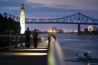 Cheiul Vechiului-Port din Montreal (Lamoureux, Patrice © Mattera, Marie-Reine. OP: Tourisme Montréal Toate drepturile rezervate)