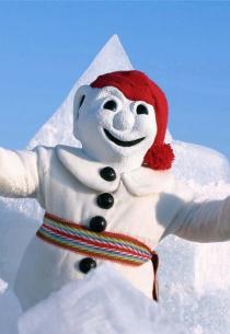 Bonhomme & Zăpadă (Fotograf: Necunoscut © Carnaval de Québec. Org. partenerǎ: Carnaval de Québec. Toate drepturile rezervate.)