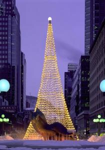 Brad de Crăciun în Piața Ville Marie (Poulin, Stéphan © Poulin, Stéphan; Tourisme Montréal. Partener: Tourisme Montréal. T.d.r.)